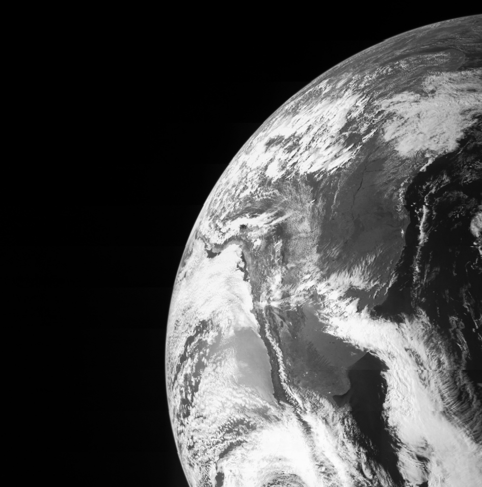 The JunoCam on the Juno spacecraft caught this image of Earth during the Oct. 9, 2013 gravity-assist flyby on its way to Jupiter. Image credit: NASA/JPL-Caltech/Malin Space Science Systems