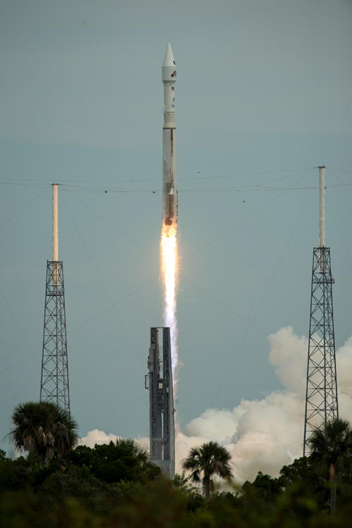The MAVEN spacecraft launching. Image credit: NASA.