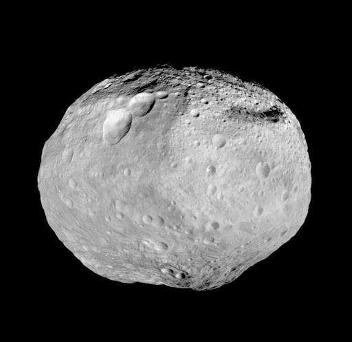 Mosaico orbital del asteroide Vesta. Crédito: NASA / JPL-Caltech / UCLA / MPS / DLR / IDA.